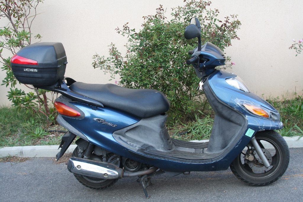 yamaha cygnus 125 2004 d occasion 83500 la seyne sur mer var 18 800 km 750. Black Bedroom Furniture Sets. Home Design Ideas