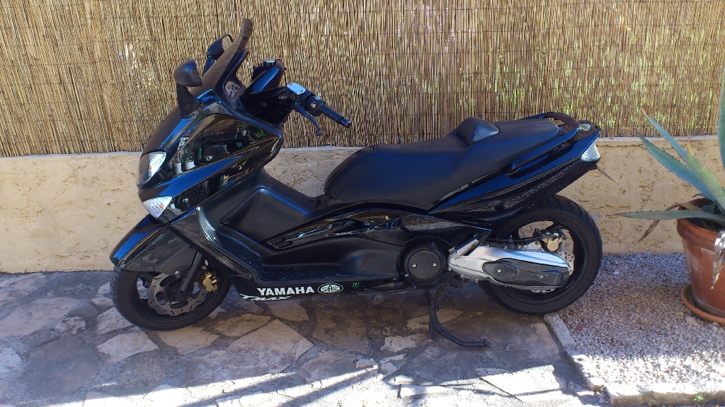 yamaha t max 500 2002 d occasion 06160 antibes alpes maritimes 71 000 km 2 900. Black Bedroom Furniture Sets. Home Design Ideas