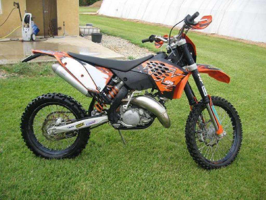 ktm 125 exc 2008 d occasion 40630 sabres landes 1 400 km 280. Black Bedroom Furniture Sets. Home Design Ideas