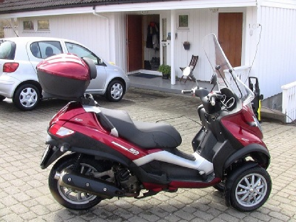 piaggio mp3 400 2007 d occasion 66000 perpignan pyr n es orientales 9 651 km 1 100. Black Bedroom Furniture Sets. Home Design Ideas