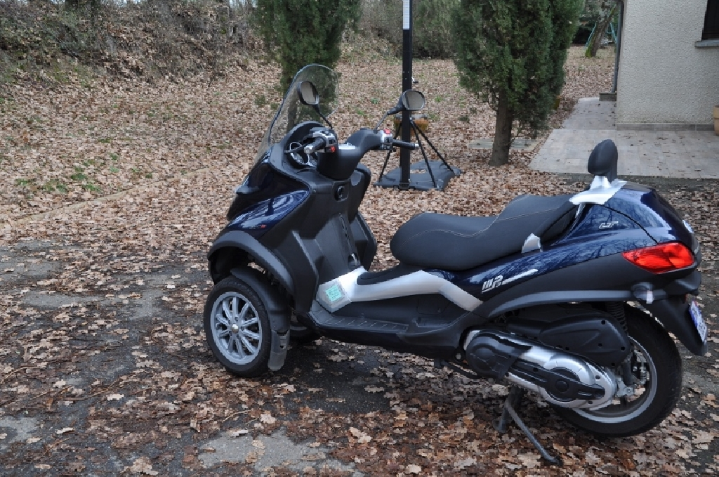 piaggio mp3 400 lt 2010 d occasion 31490 brax haute garonne 35 000 km 3 000. Black Bedroom Furniture Sets. Home Design Ideas