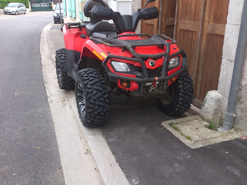 CAN-AM BOMBARDIER Outlander 400 max 2012