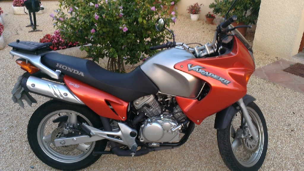 honda xl 125 varadero 2005 d occasion 26400 allex dr me 15 000 km 2 400. Black Bedroom Furniture Sets. Home Design Ideas