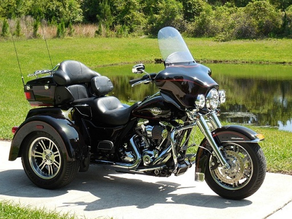 harley davidson ultra glide 1802 tri glide 2011 d occasion. Black Bedroom Furniture Sets. Home Design Ideas
