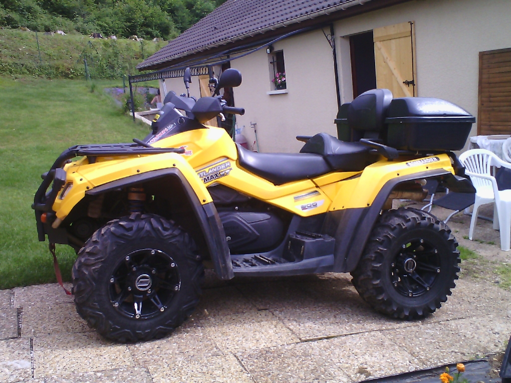 CAN-AM BOMBARDIER Outlander 800  2006 photo 2