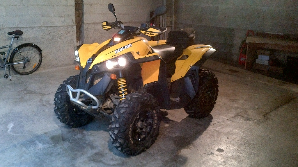 CAN-AM BOMBARDIER Renegade 800 R efi 2012 photo 2