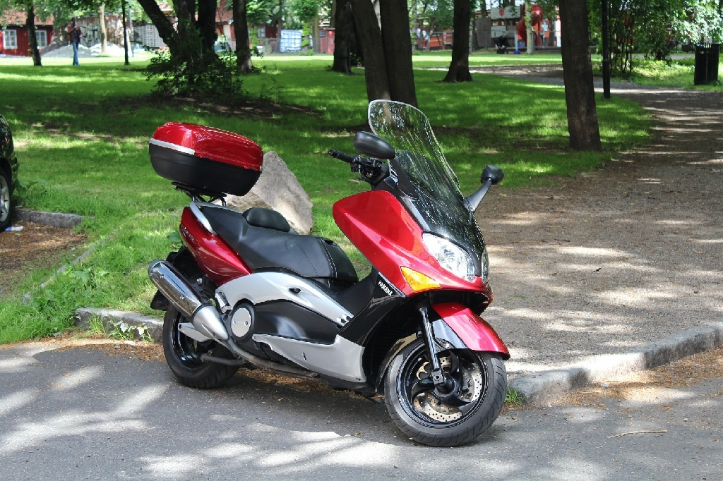 yamaha t max 500 2002 d occasion 14000 caen calvados 22 800 km 975. Black Bedroom Furniture Sets. Home Design Ideas