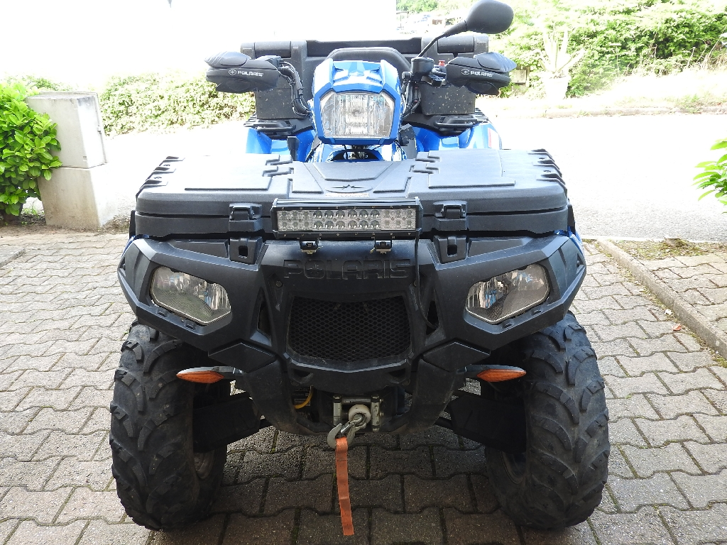 POLARIS Sportsman 850  2015 photo 2