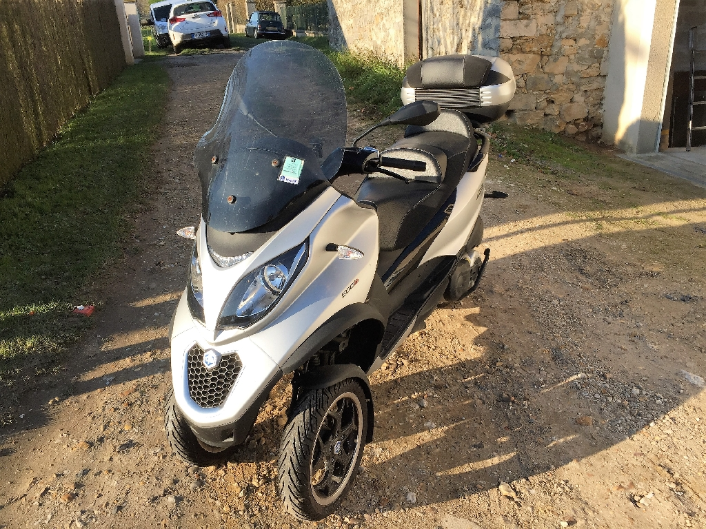 piaggio mp3 500 sport 2015 d occasion 77930 chailly en biere seine et marne 2 930 km 7 500. Black Bedroom Furniture Sets. Home Design Ideas