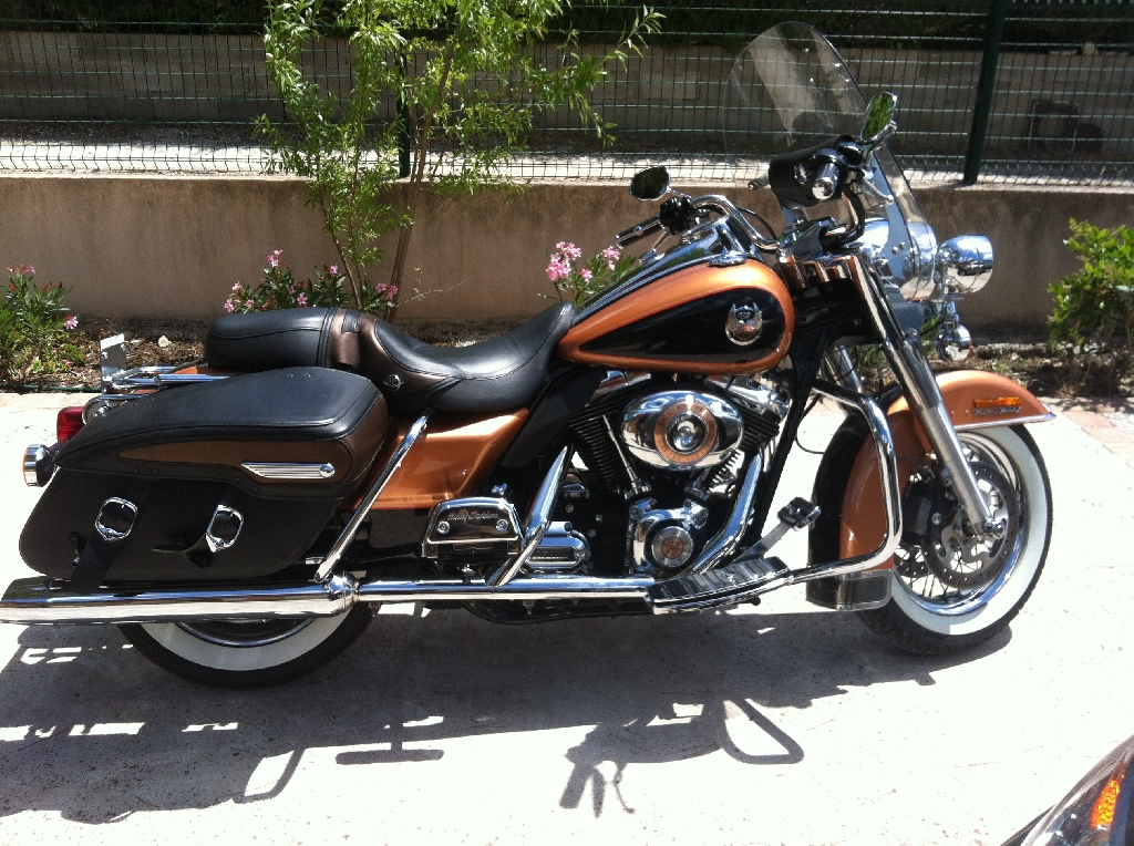 HARLEY-DAVIDSON Road King 1584 serie anniversaire  2008 photo 1