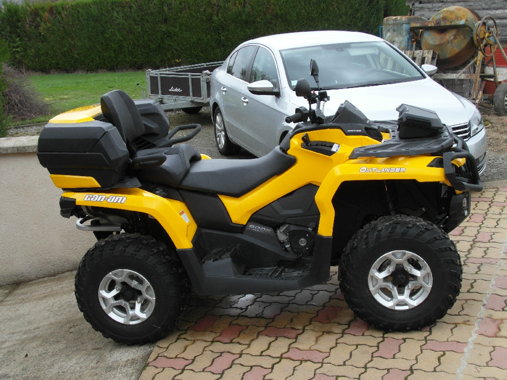 CAN-AM BOMBARDIER Outlander 800  2014 photo 1
