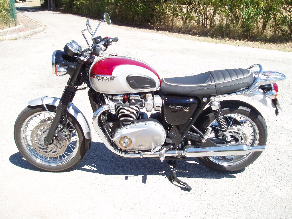 TRIUMPH Bonneville T120  2016 photo 1
