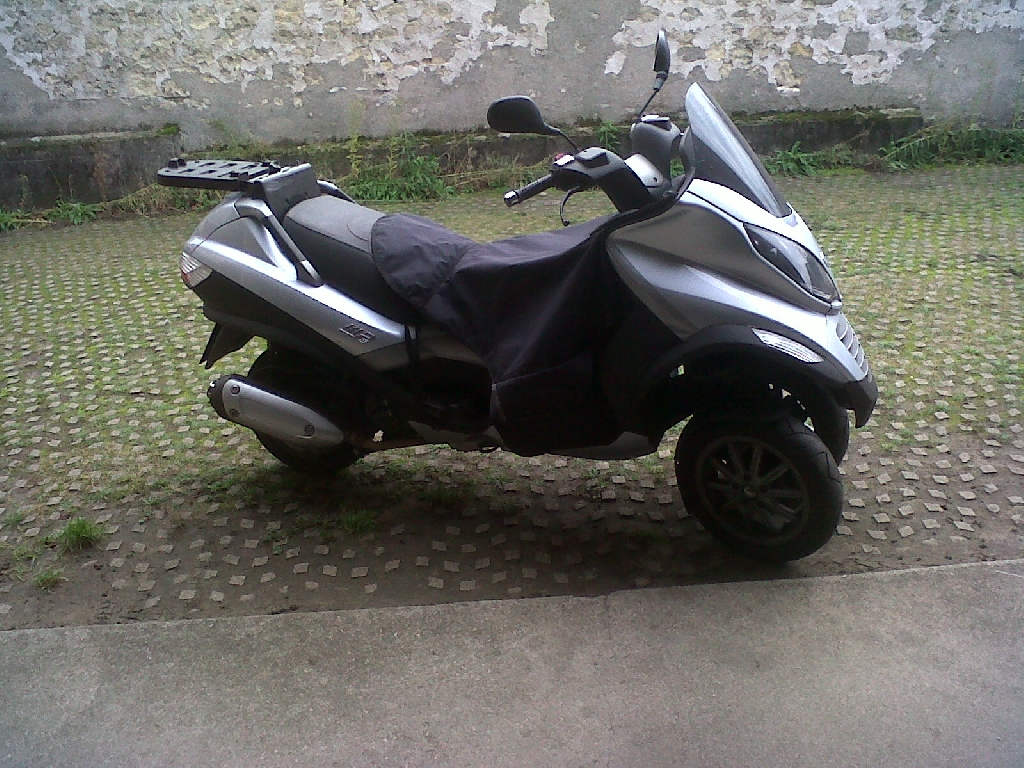 piaggio mp3 125 2007 d occasion 94100 saint maur val de marne 29 538 km 2 300. Black Bedroom Furniture Sets. Home Design Ideas