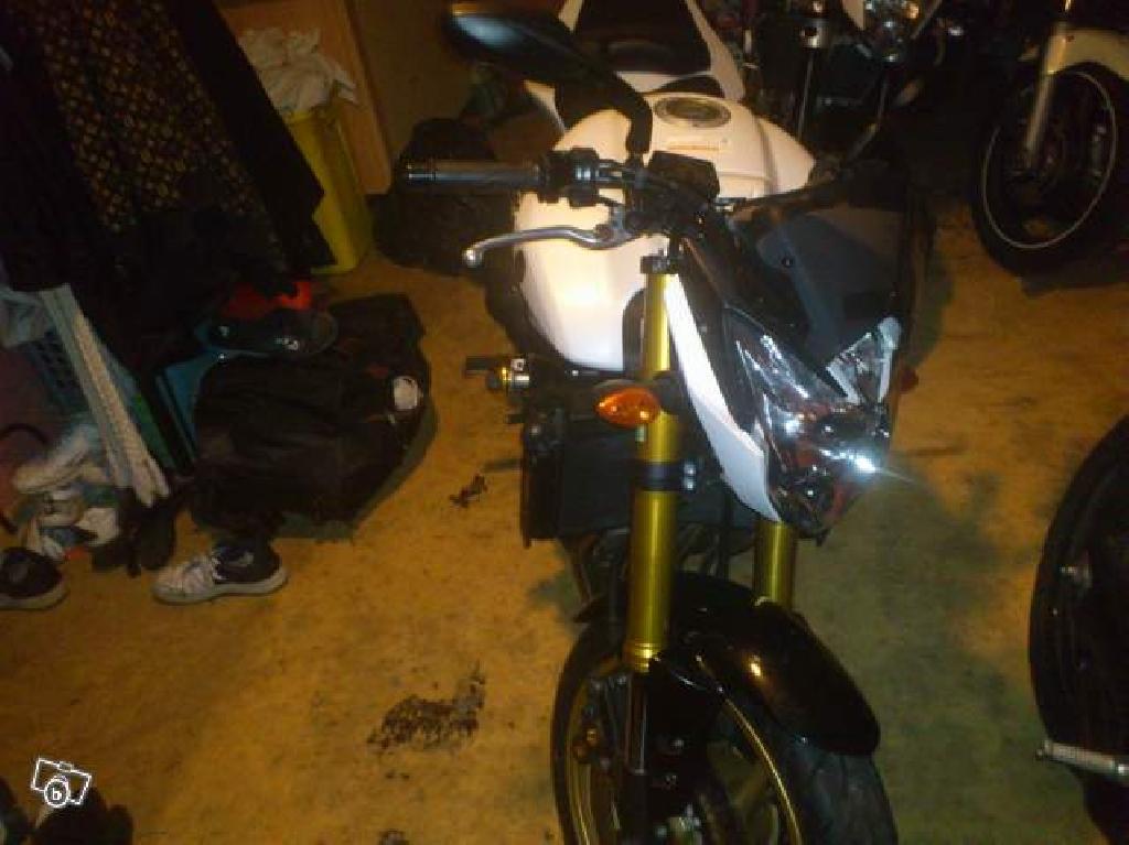 Yamaha fz8 n 800 2010 d occasion 93600 aulnay sous bois seine saint denis 10 400 km 6 000 - Garage moto aulnay sous bois ...
