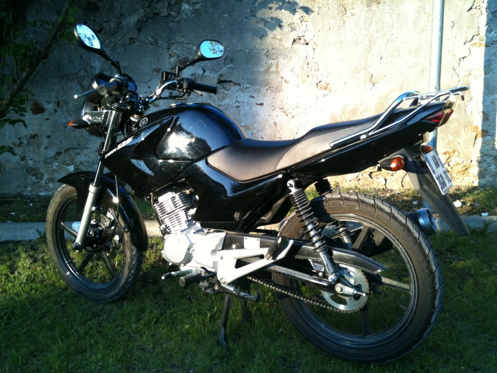 yamaha ybr 125 2010 d occasion 60620 ormoy le davien oise 2 200 km 1 600. Black Bedroom Furniture Sets. Home Design Ideas