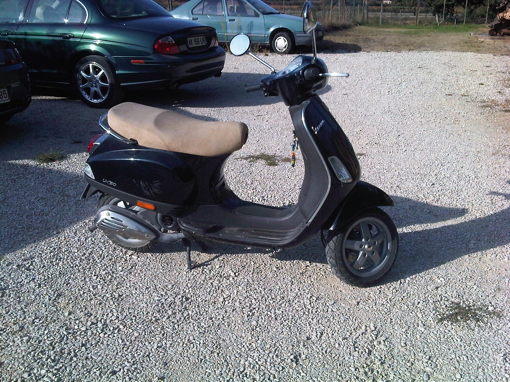 vespa lx 50 2008 d occasion 26230 chamaret dr me 2 000 km 1 600. Black Bedroom Furniture Sets. Home Design Ideas