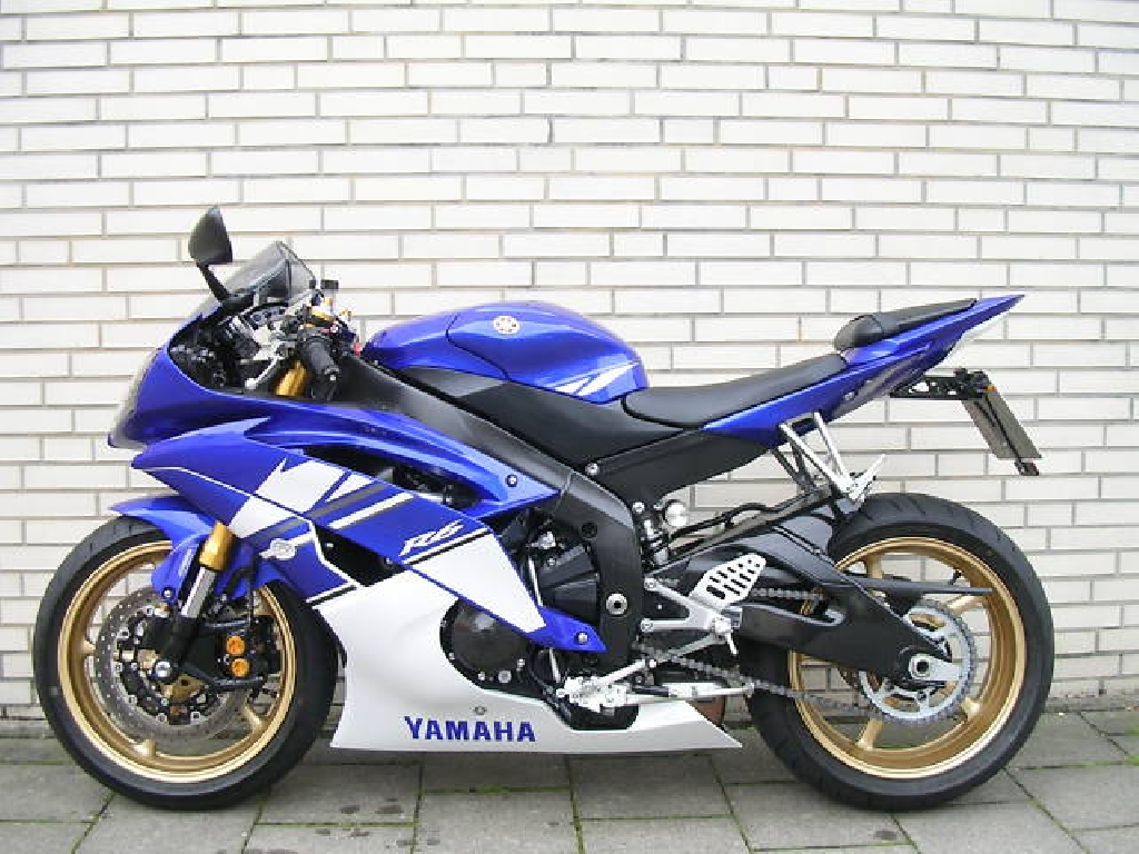 yamaha yzf r6 600 2010 d occasion 75014 paris paris 3 200 km 3 000. Black Bedroom Furniture Sets. Home Design Ideas