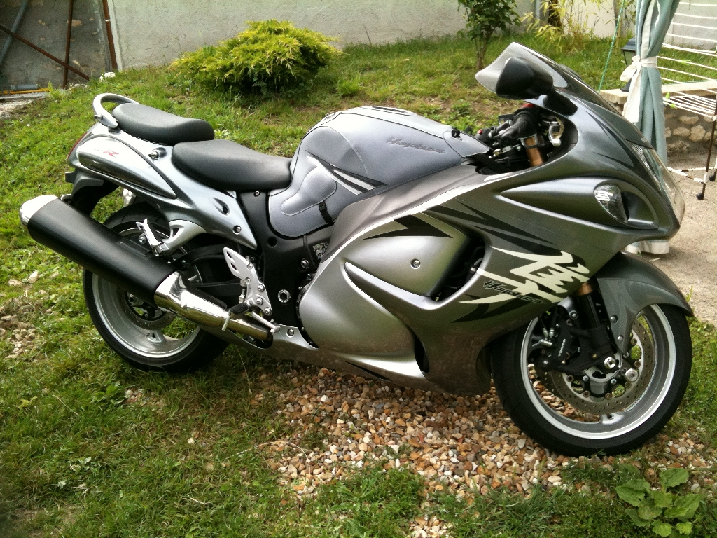 suzuki gsx r 1300 hayabusa 2010 d occasion 45390 briarres sur essonne loiret 4 032 km 10. Black Bedroom Furniture Sets. Home Design Ideas