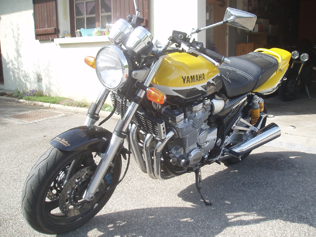 yamaha xjr 1300 2001 d occasion 74000 annecy haute savoie 45 000 km 4 300. Black Bedroom Furniture Sets. Home Design Ideas