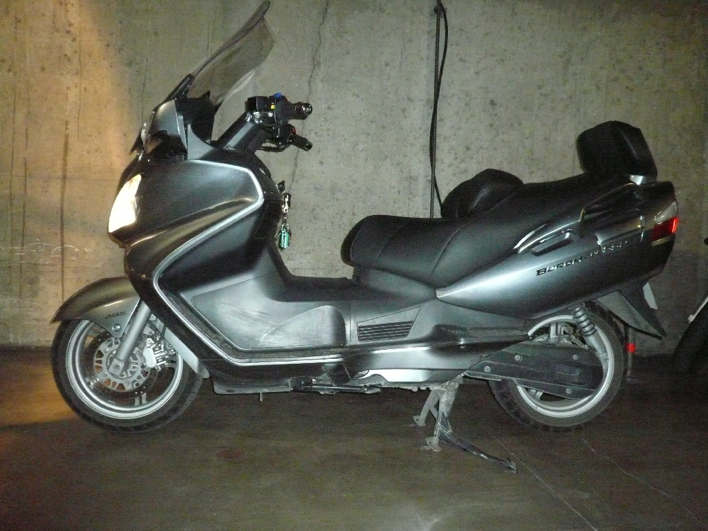 SUZUKI Burgman 650 EXECUTIVE ABS  2010 photo 1