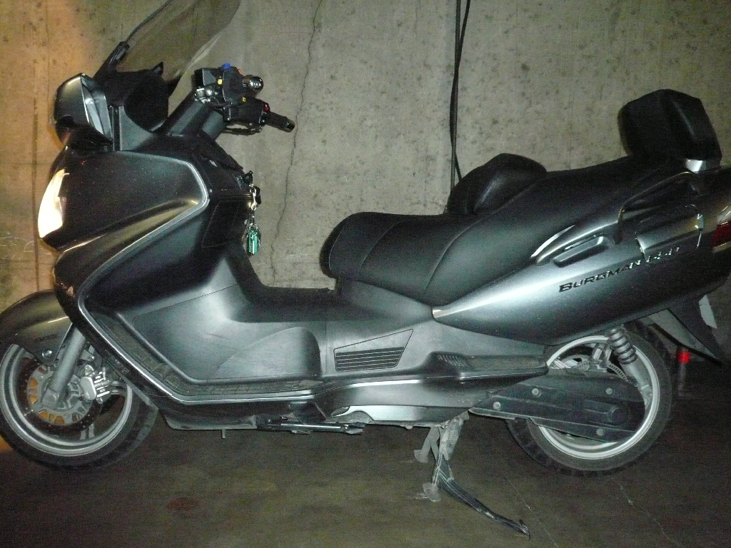 SUZUKI Burgman 650 EXECUTIVE ABS  2010 photo 2