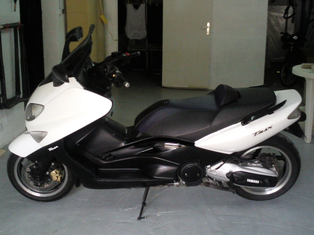 yamaha t max 500 2005 d occasion 27930 gauville eure 25 000 km 4 500. Black Bedroom Furniture Sets. Home Design Ideas