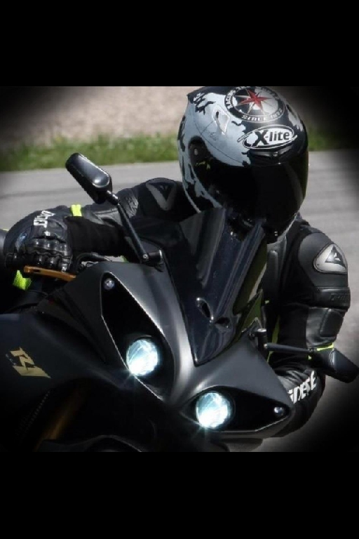 YAMAHA YZF-R1 1000  2009 photo 2