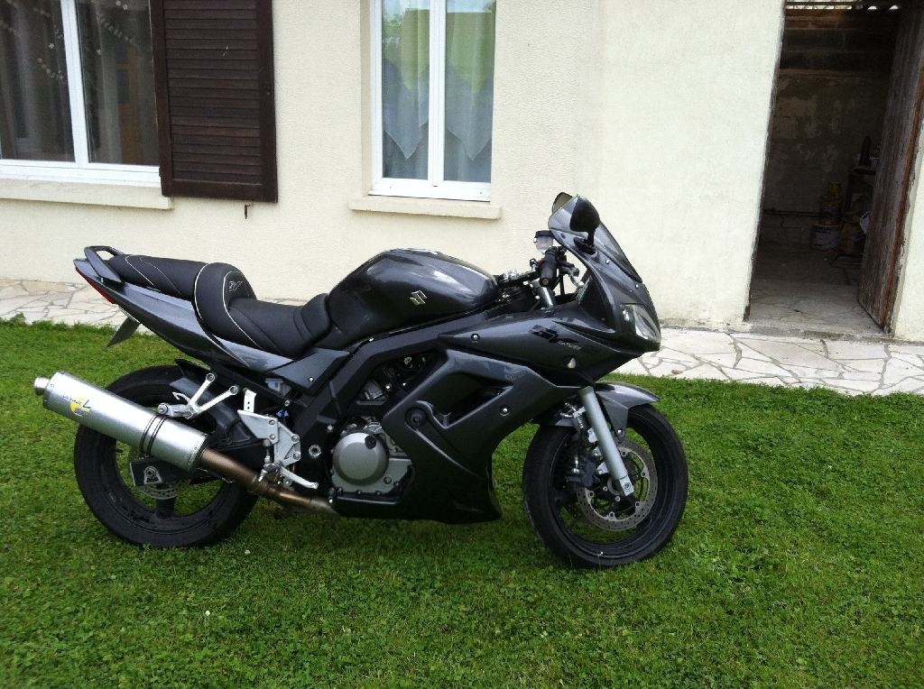 suzuki sv 650 s 2008 d occasion 62150 hermin pas de calais 16 500 km 4 600. Black Bedroom Furniture Sets. Home Design Ideas