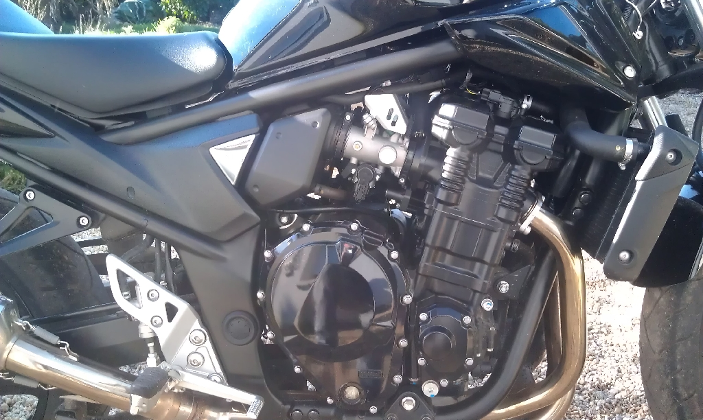 SUZUKI GSF Bandit 1250 N  2011 photo 3