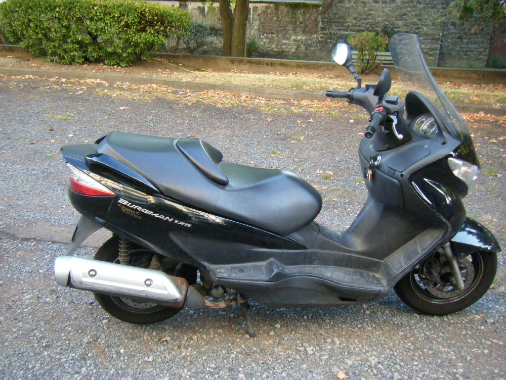 SUZUKI Burgman 125  2009 photo 1