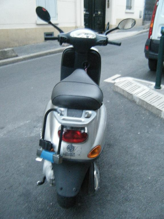 PIAGGIO Vespa 50  2006 photo 3