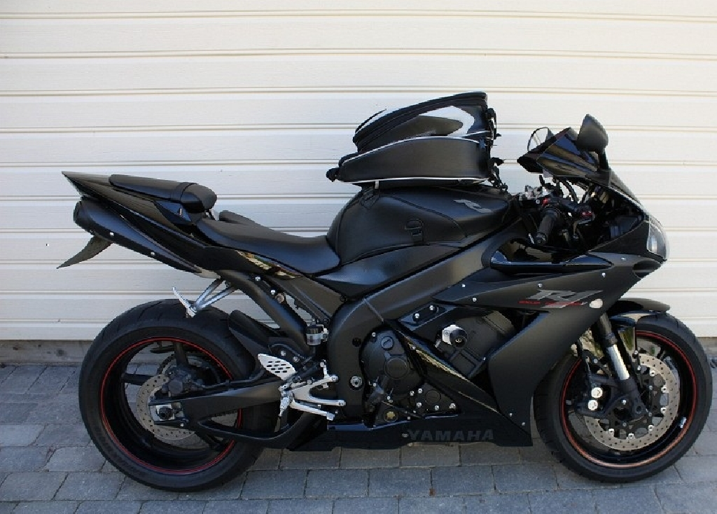 YAMAHA YZF-R1 1000  2007 photo 1