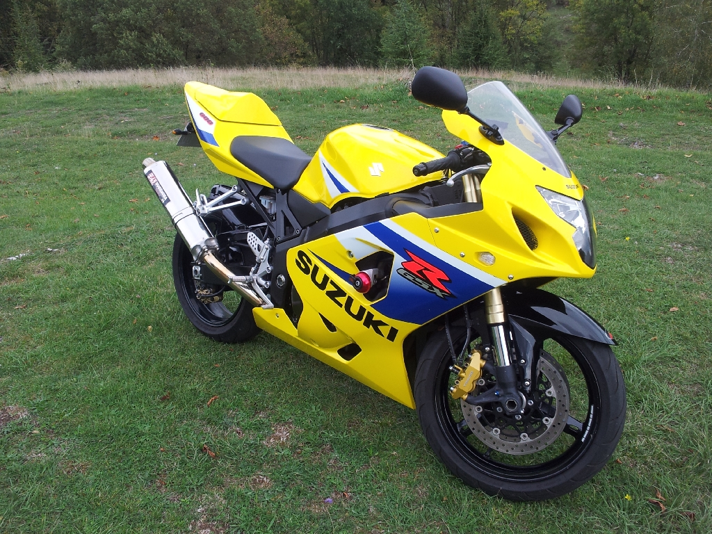 SUZUKI GSX-R 600 20th 2005 photo 1