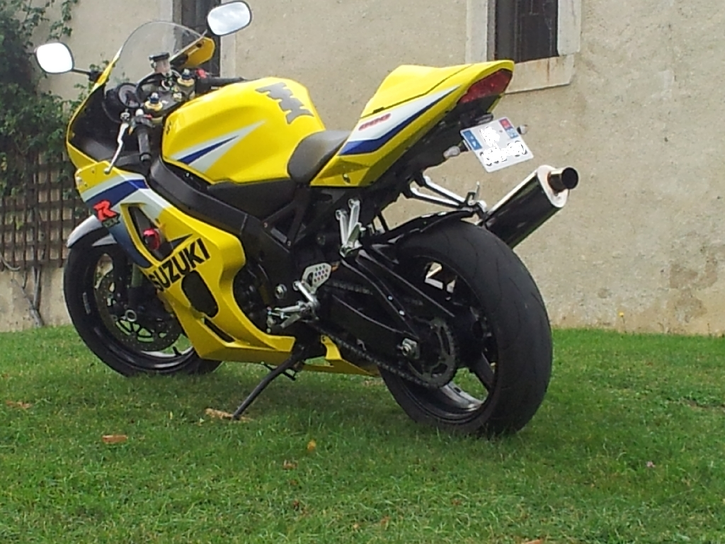 SUZUKI GSX-R 600 20th 2005 photo 2