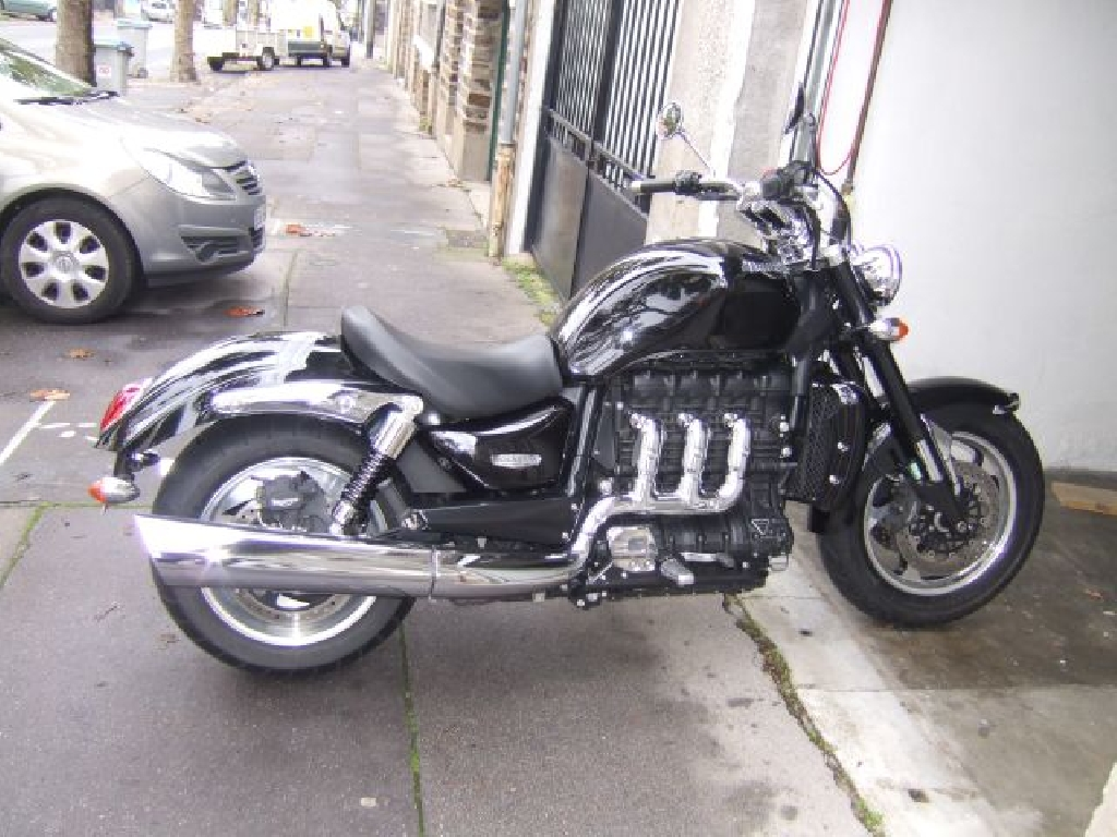 triumph rocket iii 2300 roadster 2010 d occasion 44100 nantes loire atlantique 11 000 km. Black Bedroom Furniture Sets. Home Design Ideas