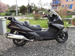 Scooter occasion : HONDA SW-T 400