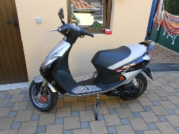 Scooter occasion : PEUGEOT Vivacity 50 silver sport