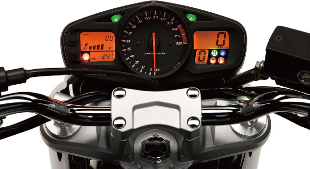 SUZUKI GSR 600  2011 photo 6
